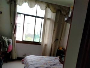 富豪苑3室 2厅 2卫90万元