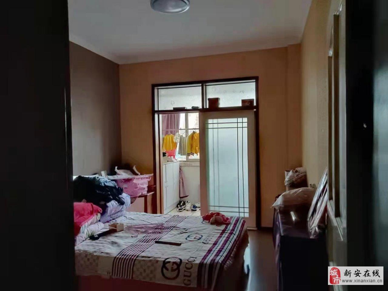售杭州路四樓3室 2廳 2衛49.5萬元