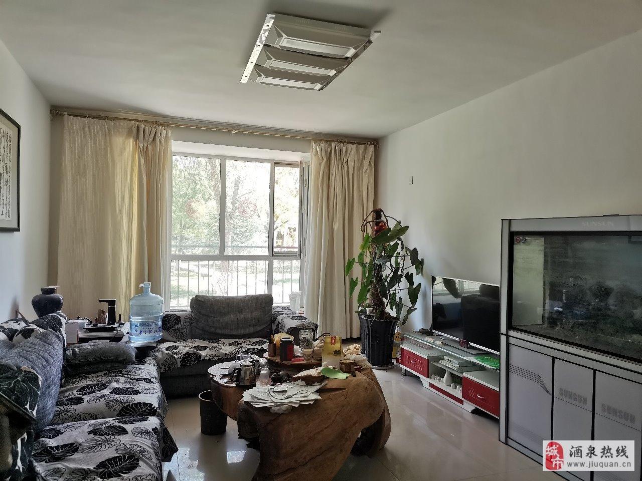 鸿硕园小区120平米3室 2厅 2卫