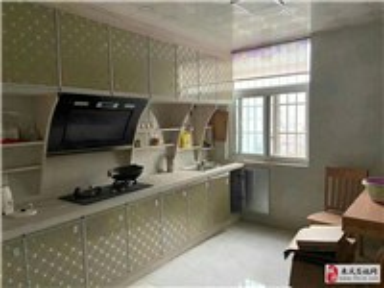 龙凤夏威夷4室 2厅 2卫精装房降价急售71万元