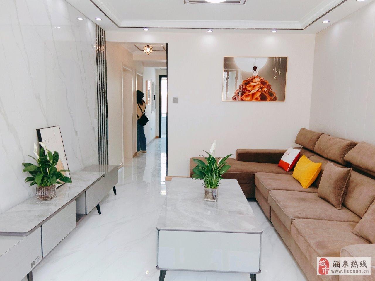 龙腾小区3楼3室 2厅 1卫精装地暖48.8万元