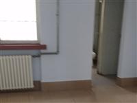 城西小区3楼98平+13平储藏室90万