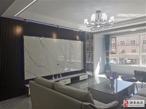 工商局家属院二楼,150平米直通三向阳精装修价格面议
