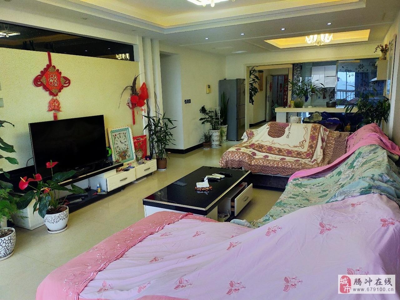 观山悦126平精装修3室2厅中间楼层视野好70产权