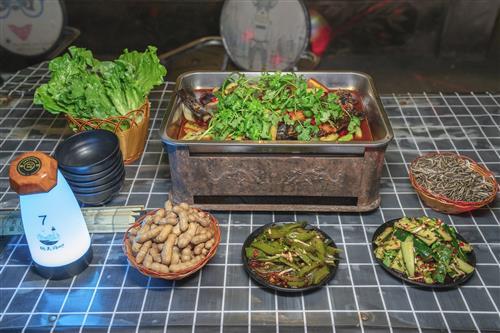 码头酒吧推出长期烤鱼套餐,99元抢原价181元香辣蔬菜烤鱼套餐!即吃即买,随时可吃!可抢多份!