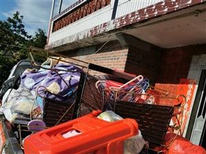 安溪搬家拉货、各种实木家具、办公家具配送安装
