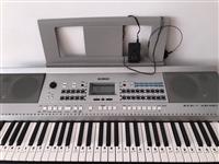 闲置雅马哈电子琴kb-190去年疫情淘宝入手、因年龄问题、出不去自己在家学、结果自己谱都没学会、一直...