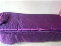 出售美容床三張,帶床上用品,價格優惠!18737578157