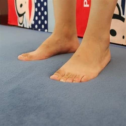 宝贝描述  宝宝防摔床边垫,自用,厚度合适,可有效防止宝宝摔伤,有宝宝家庭必备。尺寸:500mm...