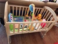 实木婴儿床及小玩具,搬家闲置处理50元,四川成都崇州自提