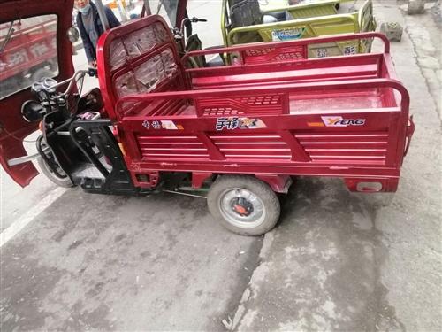 出售一台1.5x1.6电动三轮车    车骑了半年     13551966388