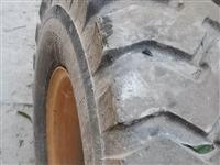 30型装载机轮胎,九成新带钢圈,型号20.5—16,