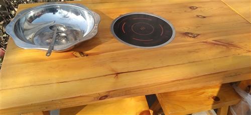 有若干套這種火鍋飯桌想出售(每套火鍋桌加4個凳子)