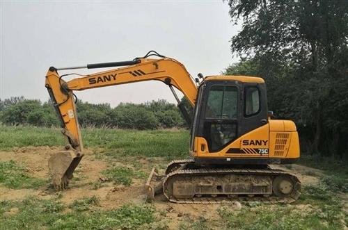 求购一台70或75小挖机自用,求的联系我16608205444