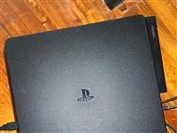 索尼PS4 整套设备 500GB SLIM版。附带GT5 原价3528 (二手九成新 2700 出售...