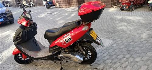 國威牌150踏板摩托車。2019年1月上戶,行駛1萬公里,手續齊全。