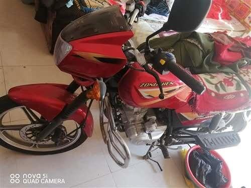 本人有摩托车一辆欲出售,基本是新车,给钱就卖