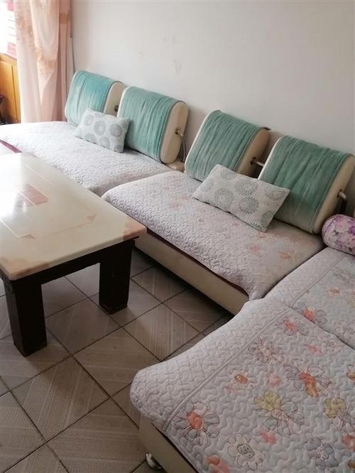 自用沙發便宜處理,給錢就賣。