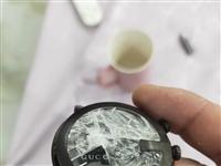 低价出售古驰手表,18600买的。带发票,被摔坏玻璃。换玻璃只要300/600。