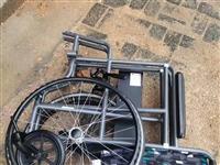 折叠轻便老人轮椅,用不着便宜出售