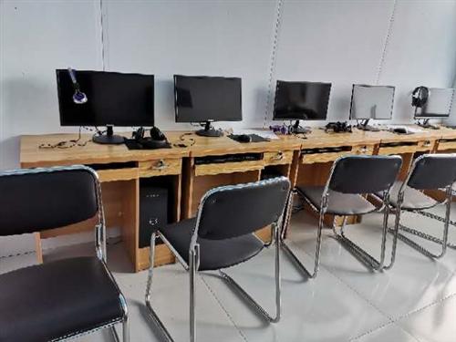 课桌椅子50套电脑