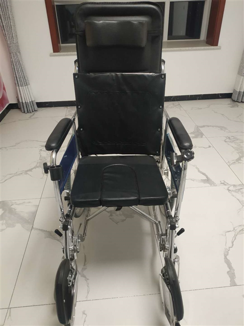 谁家需要轮椅,从易保堂820元买的,只用过一次,卖650元。联系电话,13400269091