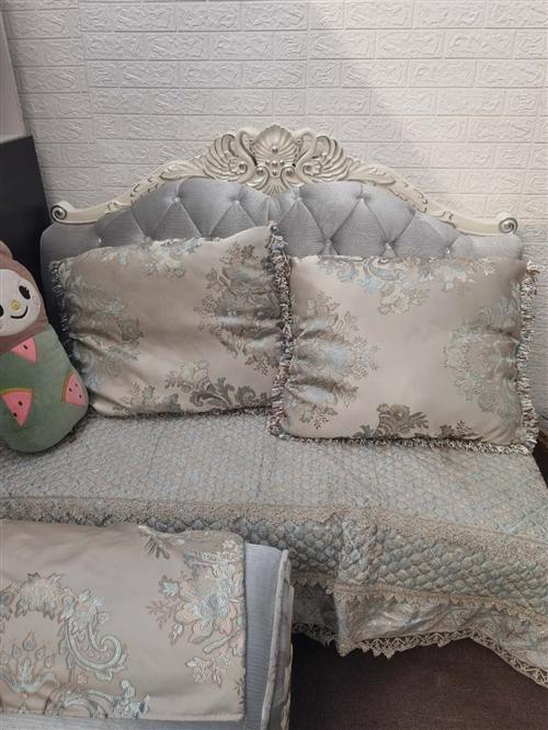 贵妃位加双人位加单人位,优耐天鹅款沙发,橡木