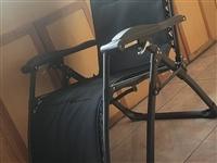 原价380元的躺椅,现140元出售,年前买的,没用几天,带垫子,需要的联系18509371859