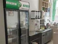 奶茶设备空调桌子冰柜等等出售