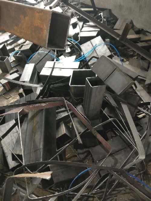收废铁,模板,木方围挡
