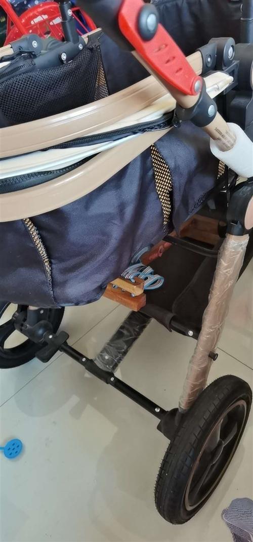 婴儿车一辆,高景观,可躺可做,也可以当宝宝餐椅
