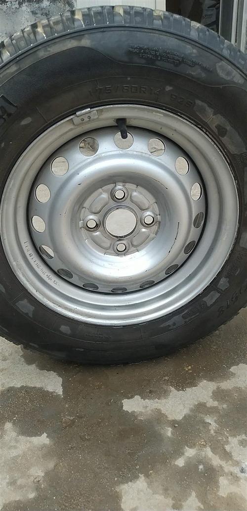 出售东风小康V27越野轮胎一个。价格美丽