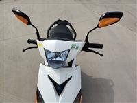 林海雅马哈摩托车一辆,九成新,因换车处理,跑了7500公里左右,有需要的请联系18366873311