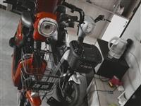 出售电动车一辆,由于已购买电动四轮,骑不着了,蓝色是小电瓶500元,红色是大电瓶800元,两辆购买时...