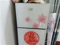 容声冰箱1.35L,一级能效!由于家里换了大冰箱,小冰箱放不下了,9成新买来899,现白菜价200卖...