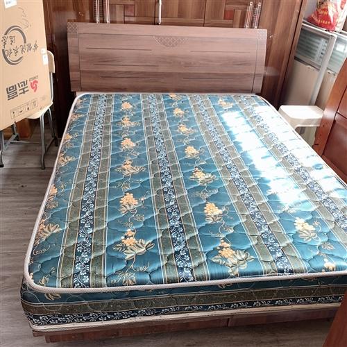一米五X两米板式床,沙发,需要可联系