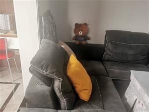 科技布沙发,3.6长9成新,原价8800现在低价转让,3500有需要的私聊