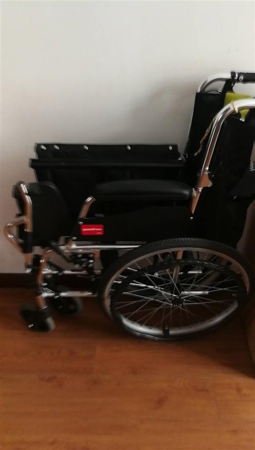 家庭用鱼跃牌制氧机与轮椅出售,顶新的,买回使用累计只有二个月的时间,有购买意向的朋友可联系13865...
