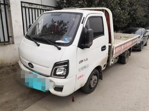 唐骏欧铃1.8T,后双轮,汽油车3.6平板车