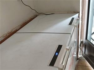 九成新冰柜只用了半年