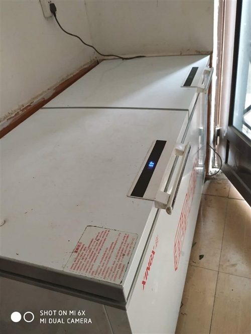 九成新冰柜    只用了半年