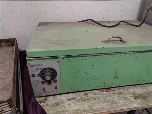 电油炸机,和面机,**,电烤箱九成新,有意者价格面议。