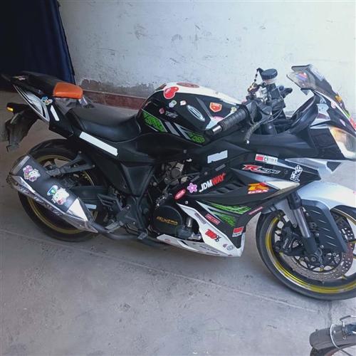 出售一台双杠250摩托,双杠声浪没得问题,别拿单杠来比,手续齐全,你爽快,我价低,车在玉门镇随时看车
