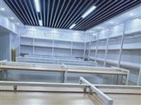 超市九成新钢木结构货架便宜处理,可任意搭配,任意组合,欢迎前来选购,公园路小学旁边三加一生活超市。