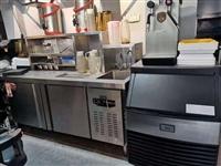 一套奶茶机和酒店厨房灶低价转让,有需要联系15885560767