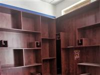 好材質,純手工打造的名煙名酒柜子低價處理了,還有會議桌 老板臺 工位席,需要的抓緊聯系了