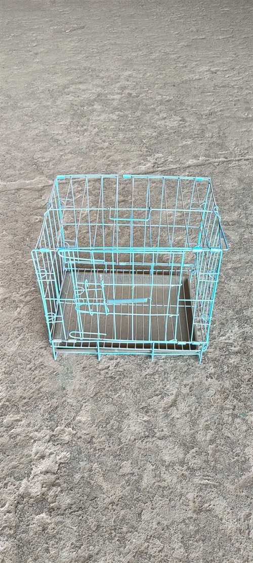 限量60个,出售兔子笼子长36CM  ,宽26CM,高33CM,15元一个电话13754589901