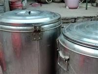辛集市处理二手早点小吃设备几乎白送。排风扇。保温桶,炸锅,餐桌椅板凳有些还新的。有意联系133430...