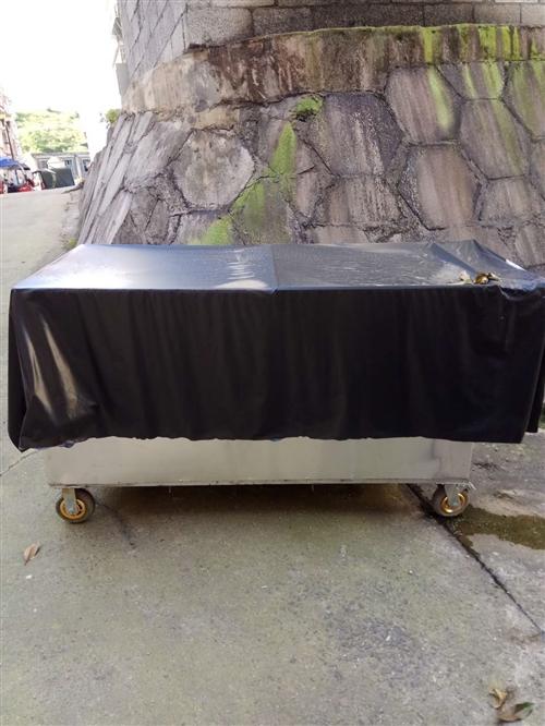 本人刚做了个小吃车,只用了一天,太累我做不起。卖价700元,有想买的兄弟姐妹来电商量。1998546...