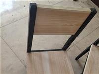 凳子,8成新有10个    一个18 桌子,8成新有2个    一个99